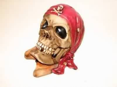 MONEY BOX PIRATES SKULL